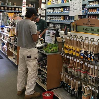 Paint contractor picking up supplies in one of our stores